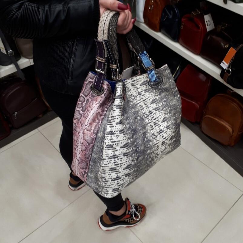 Ilenia: una borsa donna in vera pelle, comoda e pratica