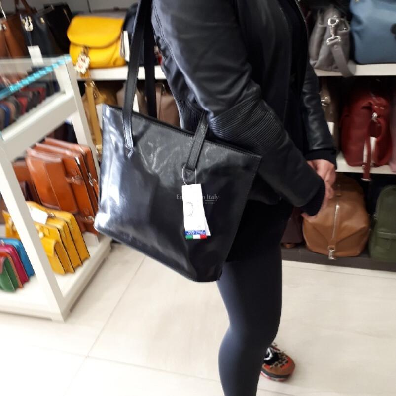 GINEVRA: borsa donna in cuoio, a spalla, formato A4, colore: NERO, Made in Italy