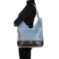 LUISA : borsa donna a spalla, pelle morbida, colore : AZZURRO / NERO, Made in Italy