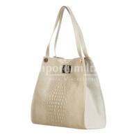 CORINNE: borsa donna a spalla, semirigida, pelle morbida, colore: BEIGE CHIARO, Made in Italy