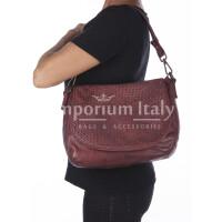 Borsa donna ZOE a spalla in vera pelle morbida, colore BORDEAUX,  VINTAGE, CHIARO SCURO Made in Italy