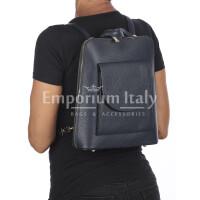 Borsa zaino donna MONTE ADAMELLO, in vera pelle morbida, colore BLU SCURO, CHIARO SCURO, Made in Italy